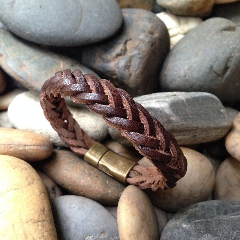 Brown Weave Leather Bracelet with Antique Brass Clasp