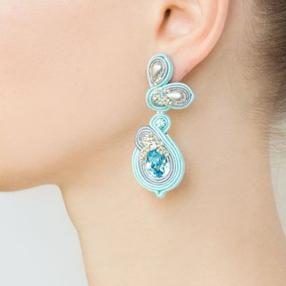 Floral earrings with Swarovski stones in blue color