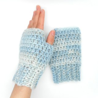 "Handwarmer of wool and mohair ""ice blue"" 【crochet / handmade / japan】"