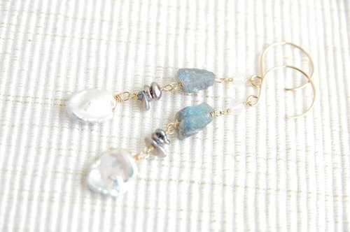 Keshi Pearl and Rough Rock Labradorite Earrings 14 kgf