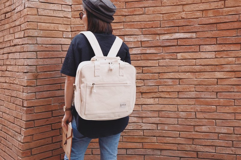 SQUARE UP BAG : WHITE CANVAS COLOUR