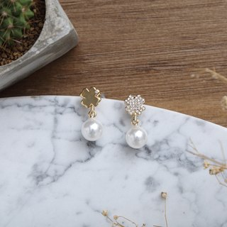 Lucky Clover Pearl and Gold Earrings 幸运四叶草珍珠镀黄金耳环