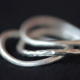 Handmade set of stackable hammered bent silver rings (R0022)