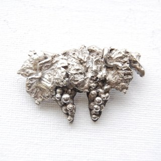 Grape brooch [silver 950]