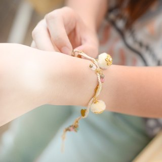 A super cute pompom bracelet from Niyome craft