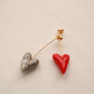 Baum heart pierced earrings red × silver