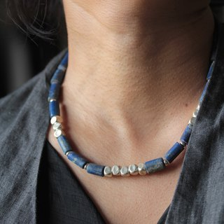 Lapis lazuli and silver rounded box-cube beads necklace (N0052)