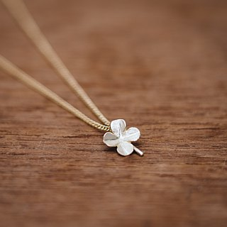 18K Clover pendant - Japanese jewelry - pendant chain - gift for her - Four leaf