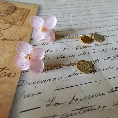 *Cherry*hydrangea and gold plate earrings
