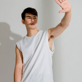hao White Simple Sleeveless 白色剪裁背心