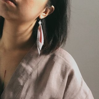 HANABIRA / PETAL EARRINGS / colour : peach