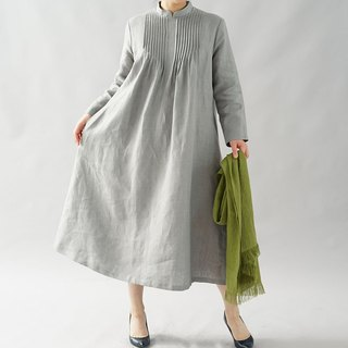thick linen dress / pintuck / fastener zipper on the back / stand collar