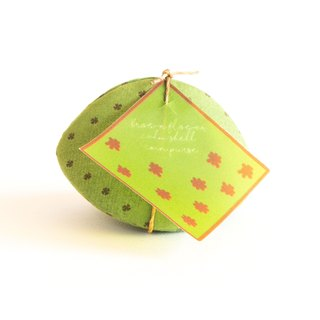 Japanese style Coin purse. ฺLittle brown flower on Green