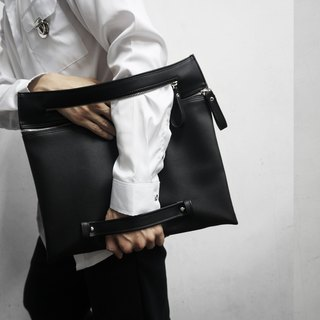 ZIP A4 CLUTCH (BLACK)