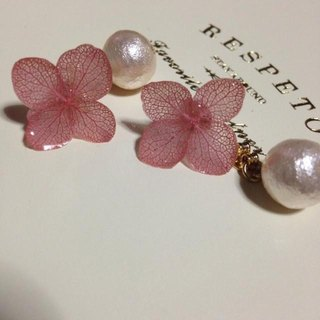 * Vintage Pink * Hydrangea and Cotton Pearl Catch Earrings