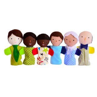 Families of finger puppets with different skin color /  6 dolls / 布娃娃