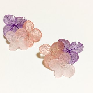 Hydrangea's triangle earrings*Violet pink*