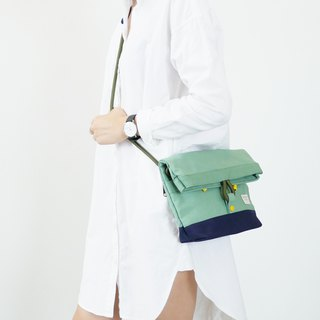 Squid spring sling bag