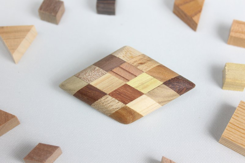 Parquet diamond brooch