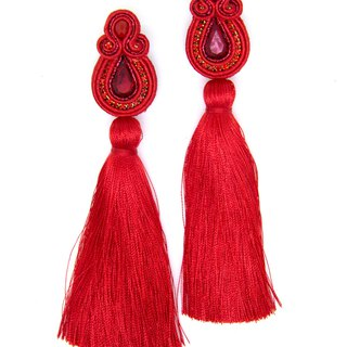 Long tassel earrings with crystals in red