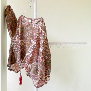 Classical patterned batik blouse