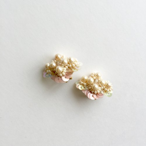 Pearl Flower Earrings Pink