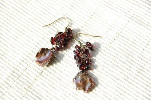 Keshiparu and garnet earrings