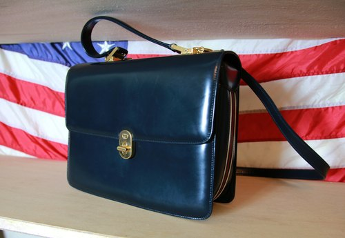 Back to Green:: Gucci 公事侧背包 vintage Bag (B-02)