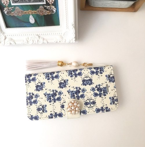 【Pajour】 【navy】 watercolor painting flower pattern notebook type smart case 【iPhone】 【notebook】