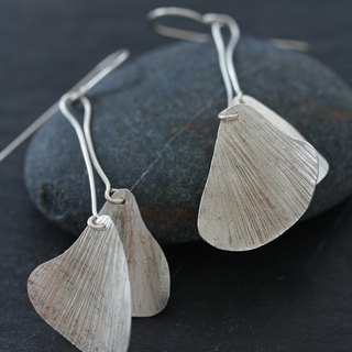 Double hanging ginkgo leaf earrings (E0178)