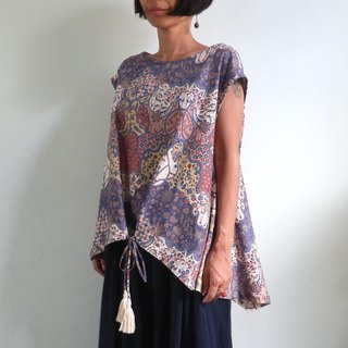 【New Color】 Classical Pattern Batik Blouse / Navy