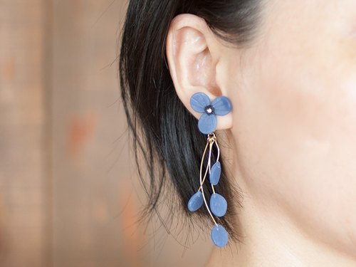 Flower Earrings / Earrings (Blue)