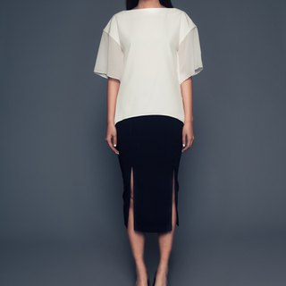 Ascia Batwing-Sleeve Top in Off-White