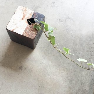 Square block vase (black glaze)