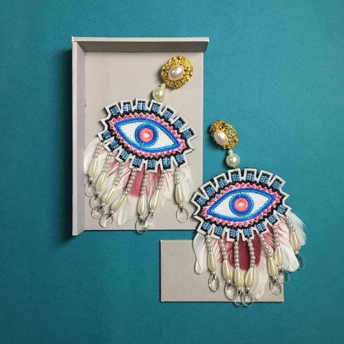 earrings : fanny eyes