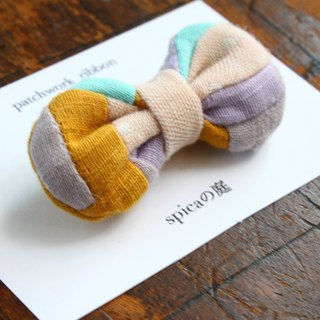 Brooch of a patchwork ribbon/W gaze