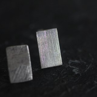 Handmade Flat Rectangle Silver Stud Earring with scratched texture (E0131)