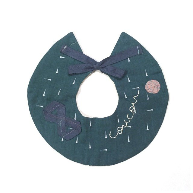 Original embroidery  Doughnut bib  green
