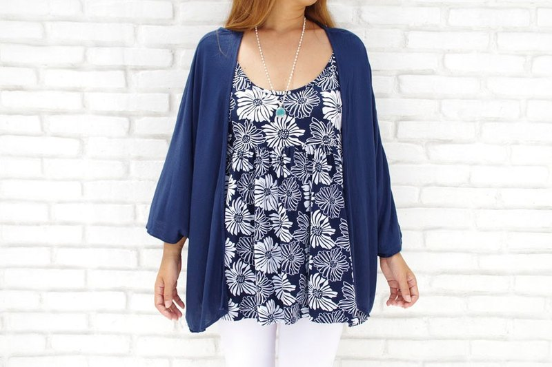 Also I want multiple shots at the simple! Kimono Cardigan <navy>