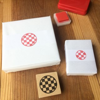 Easy to use round type Japanese pattern eraser rubber seal (checkered)