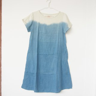 Indigo ombre dress / round neck with 2 pockets