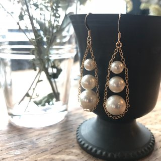 Earrings / 14 KGF & shell pearl Large and medium classical earrings / TrinityPr 01