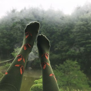 socks_rich_garden / irregular / socks / green / butterfly