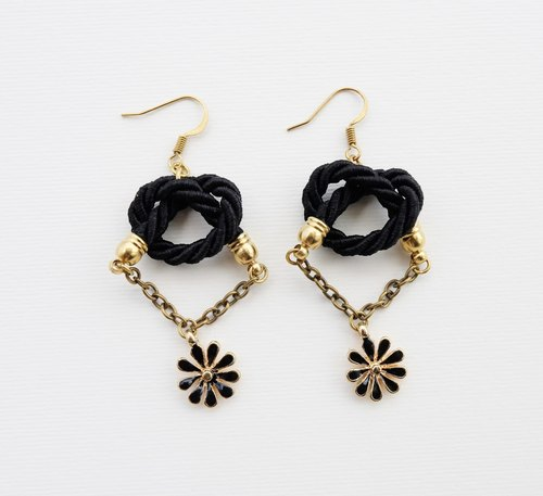 Black knotted rope with black flower and brass chain earrings