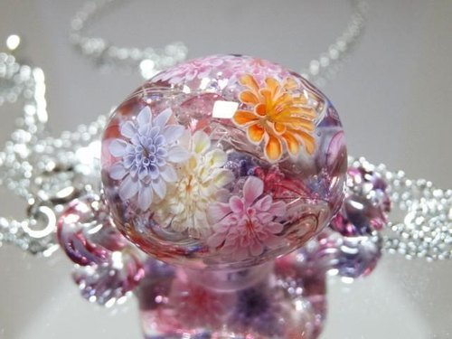 Dragonfly ball glass necklace of dahlia
