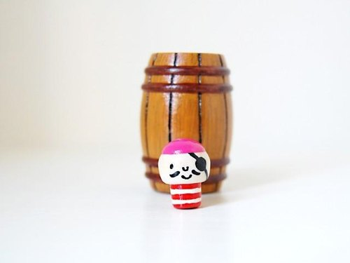 Pop * burglar * coffee barrel [1]