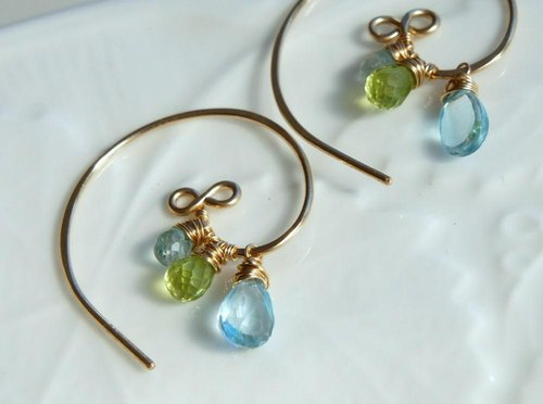Sprout- Wakaba hoop earrings with natural stone