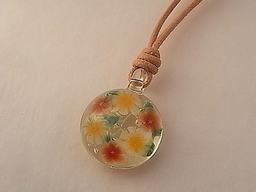Glass pendant red flowers and white flower