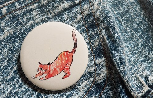 Pin badge tabby orange cat