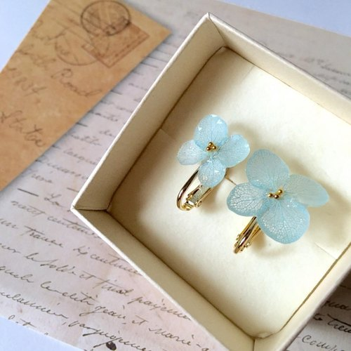 * Aquamarine * Hiragara Hydrangea Earrings